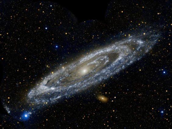 La Galaxia de Andrómeda fotografiada por el satélite Galex