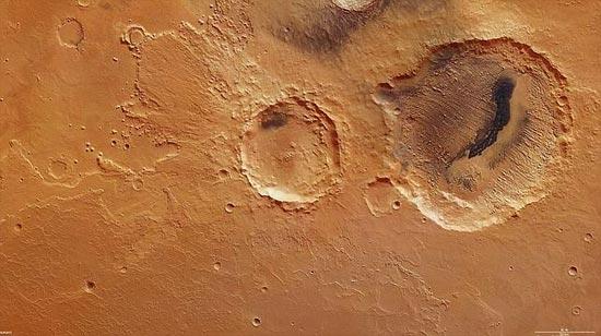 Cráteres Danielson y Kalocsa