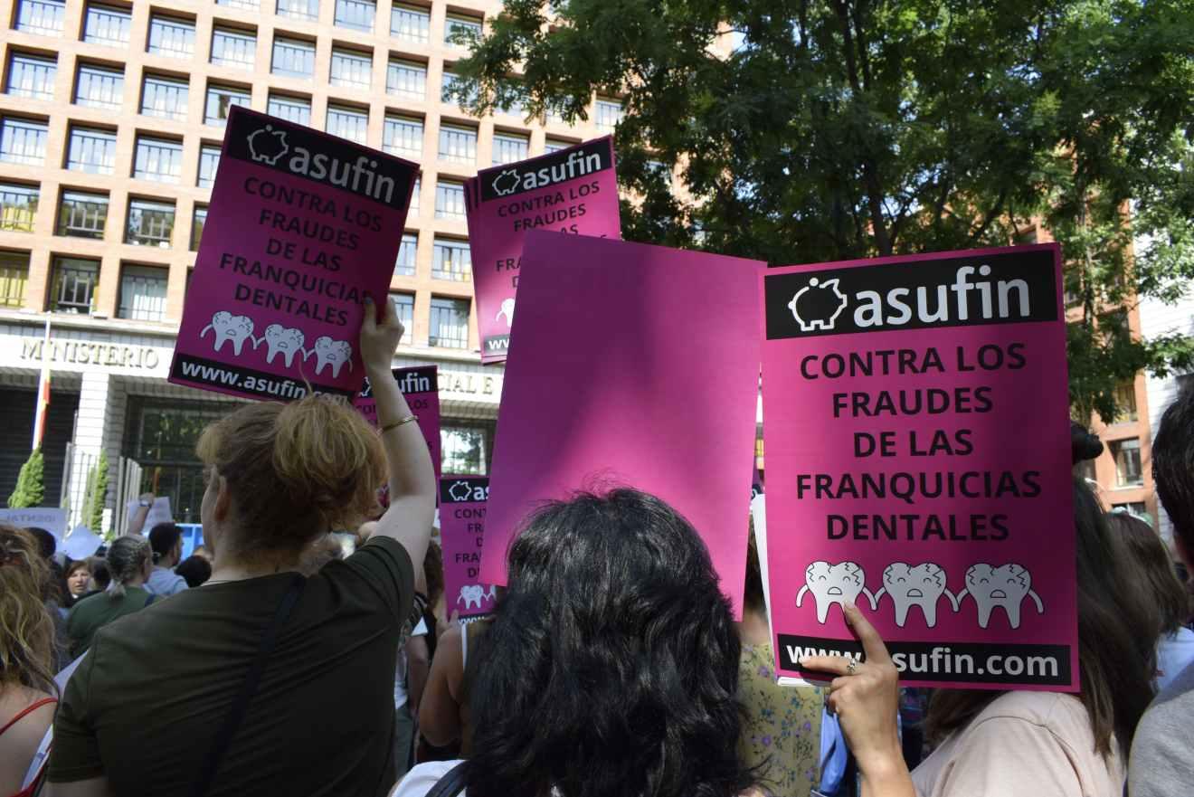 La justicia deriva a los afectados de iDental a médicos forenses