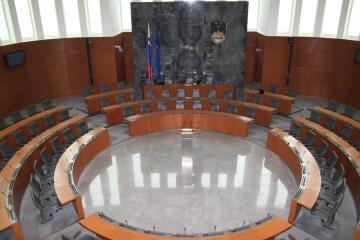 ASUFIN en el Consejo Nacional de la República de Eslovenia