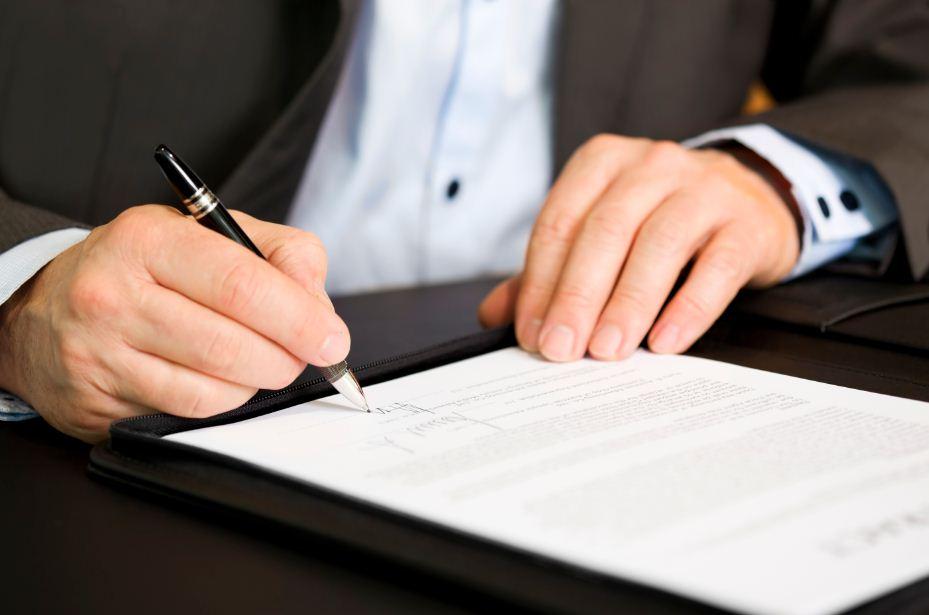 La LCCI se apoya en notarios y registradores para garantizar la transparencia