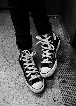Best 10 Ways To Wear Black Converse Shoes