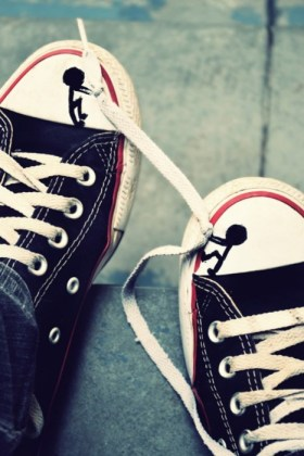 Cool Way Of Tying A Black Converse