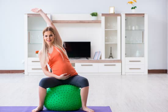 10 ways to ways to release stress during pregnancy