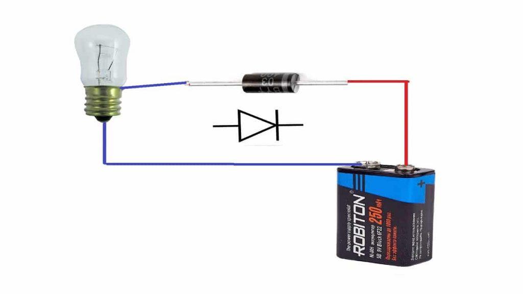 A villanykörte és az akkumulátor ellenőrzésének fordított séma
