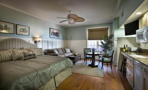 2631759-The-Inlet-Sports-Lodge-Guest-Room-1-DEF