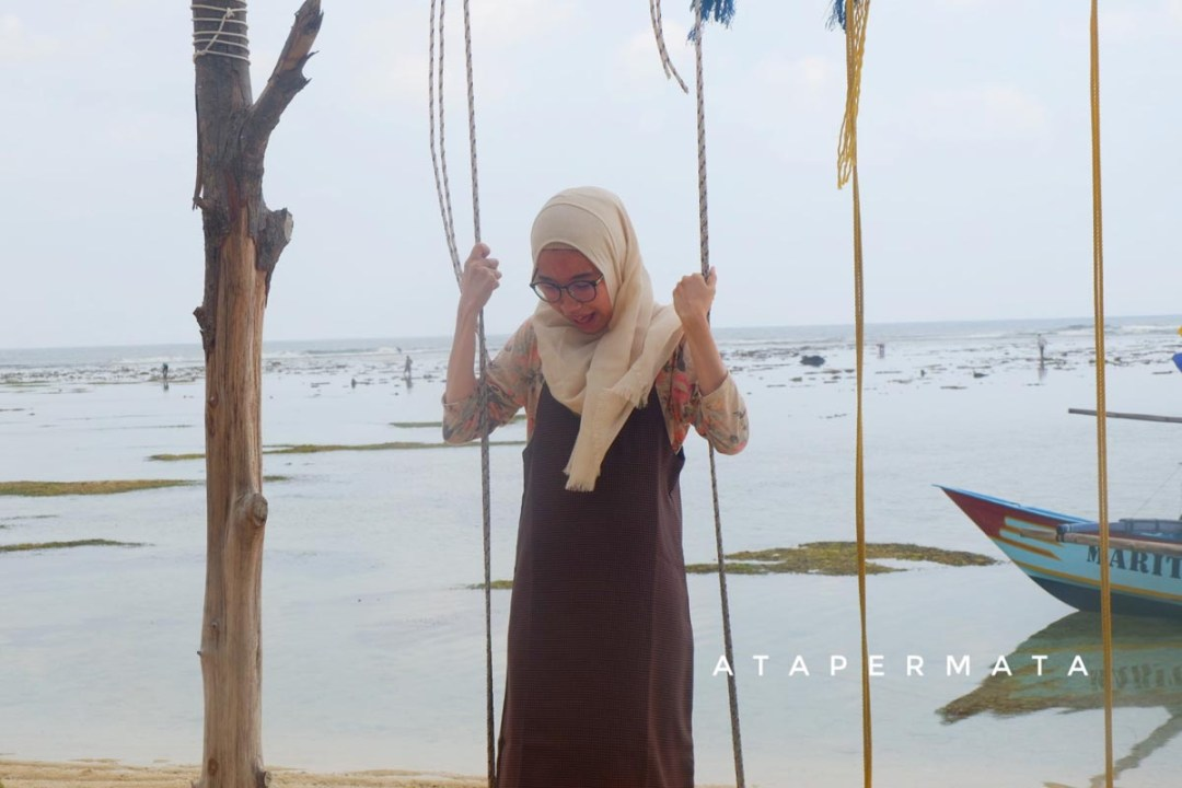 Pantai di Kaur (3)