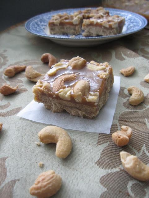 Butterscotch Cashew Squares Recipe