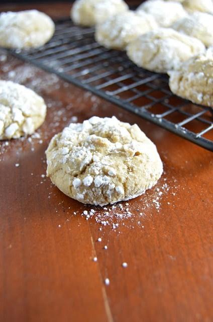 Brown Sugar Crinkle Cookies