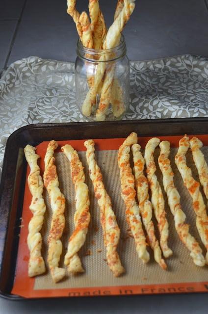 Cheddar Cheese Twists