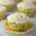 Easy Funfetti Cupcakes recipe. Birthday cake flavoured cupcakes filled with sprinkles and topped with the best buttercream. Perfect birthday dessert idea.