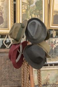 hats-861331_1920 (533x800)