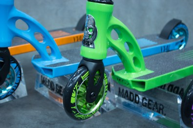 The front fork of green colorway.