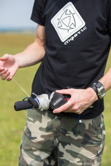 ATBShop - Learning To Power Kite - Hold Handles With Your Left Hand