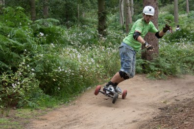 bringing the mountainboard in the corner