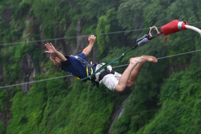 Zamibia Luxury Safari - Bungee Jump Victoria Falls