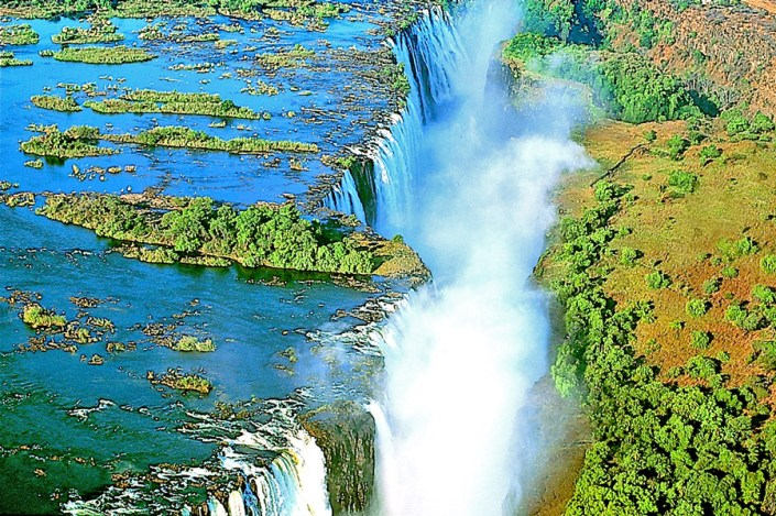 Combine your fly-in Namibia with Victoria Falls