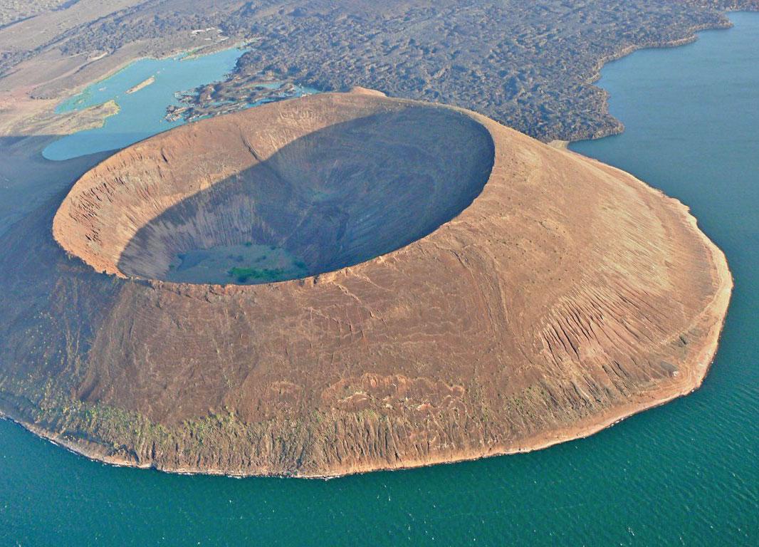 Lake Turkana - Tailor Made Safari Kenya