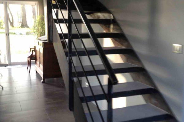 Beton cire escalier finition marche acier nantes 1 copie