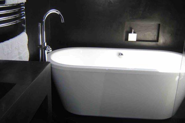 salle de bain beton cire noir baignoire oeuf copie