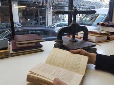 restauration-livres-anciens-reliure-geneve-suisse