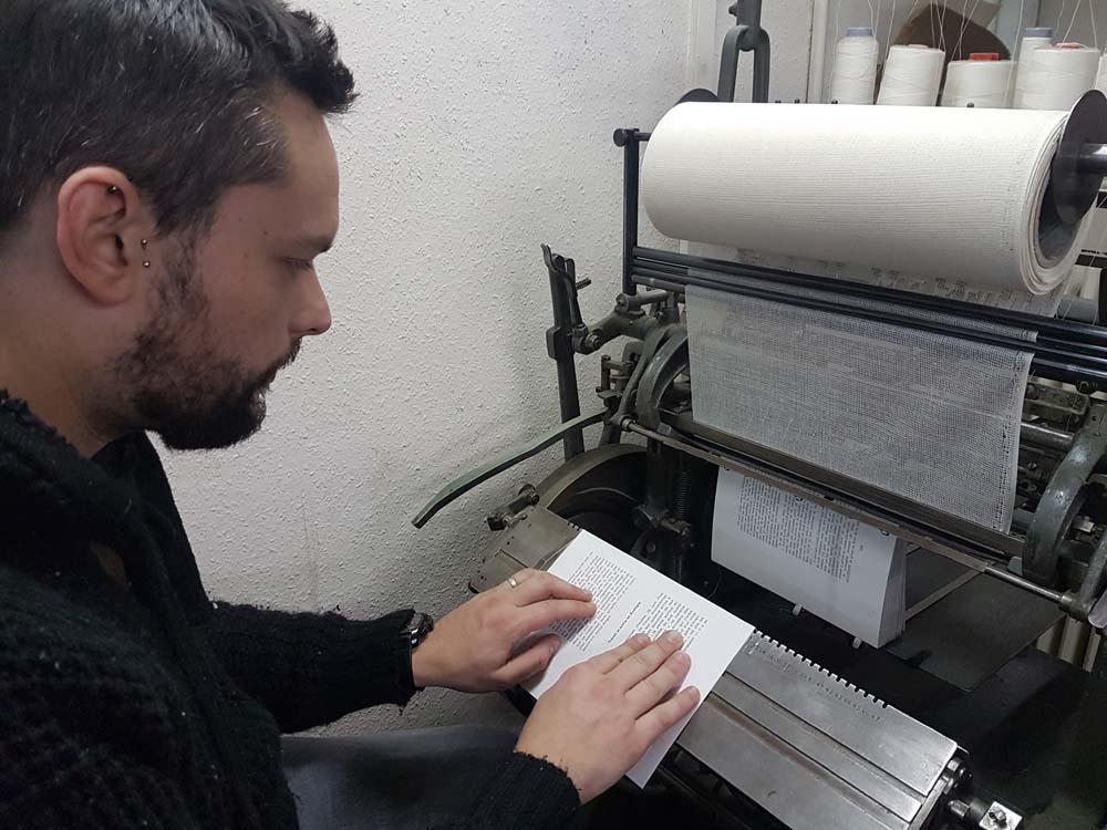 Couture-page-livre-atelier-reliure-geneve