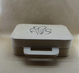 Gift box made of recycled cardboard