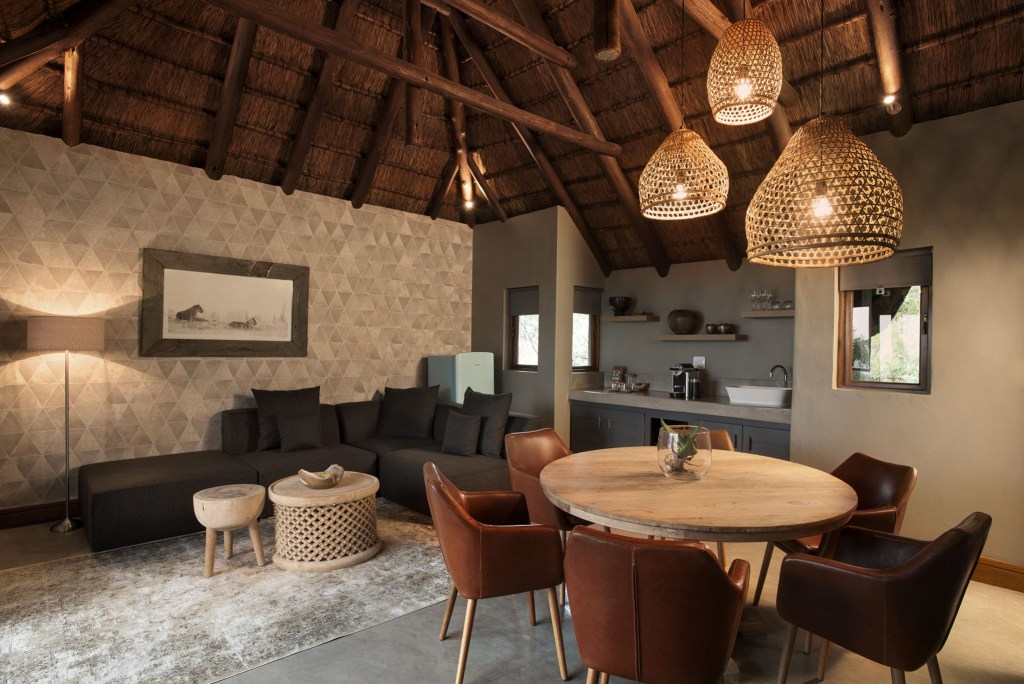 Africa Travel Mhondoro Game Lodge Spotlights African Design Family Suite