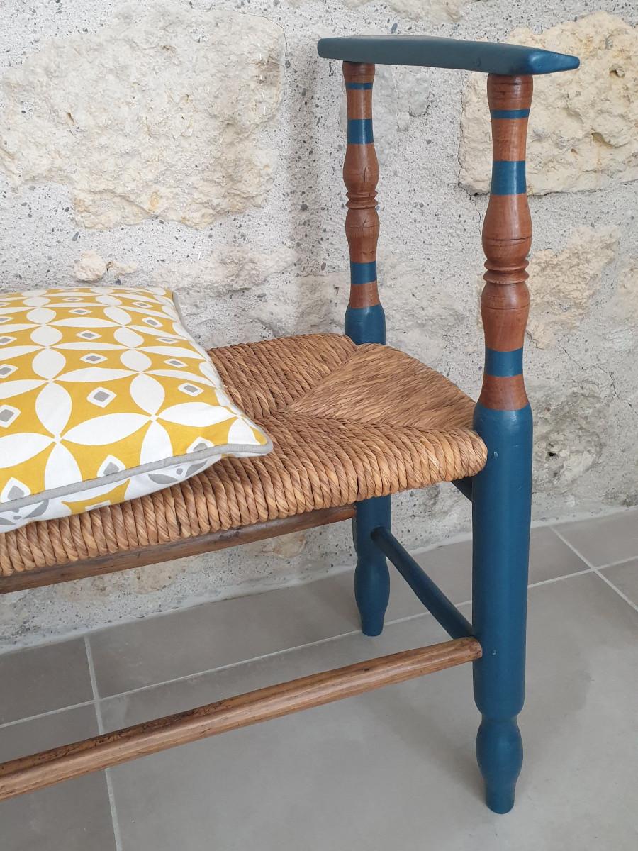 décor rayé bois brut et bleu