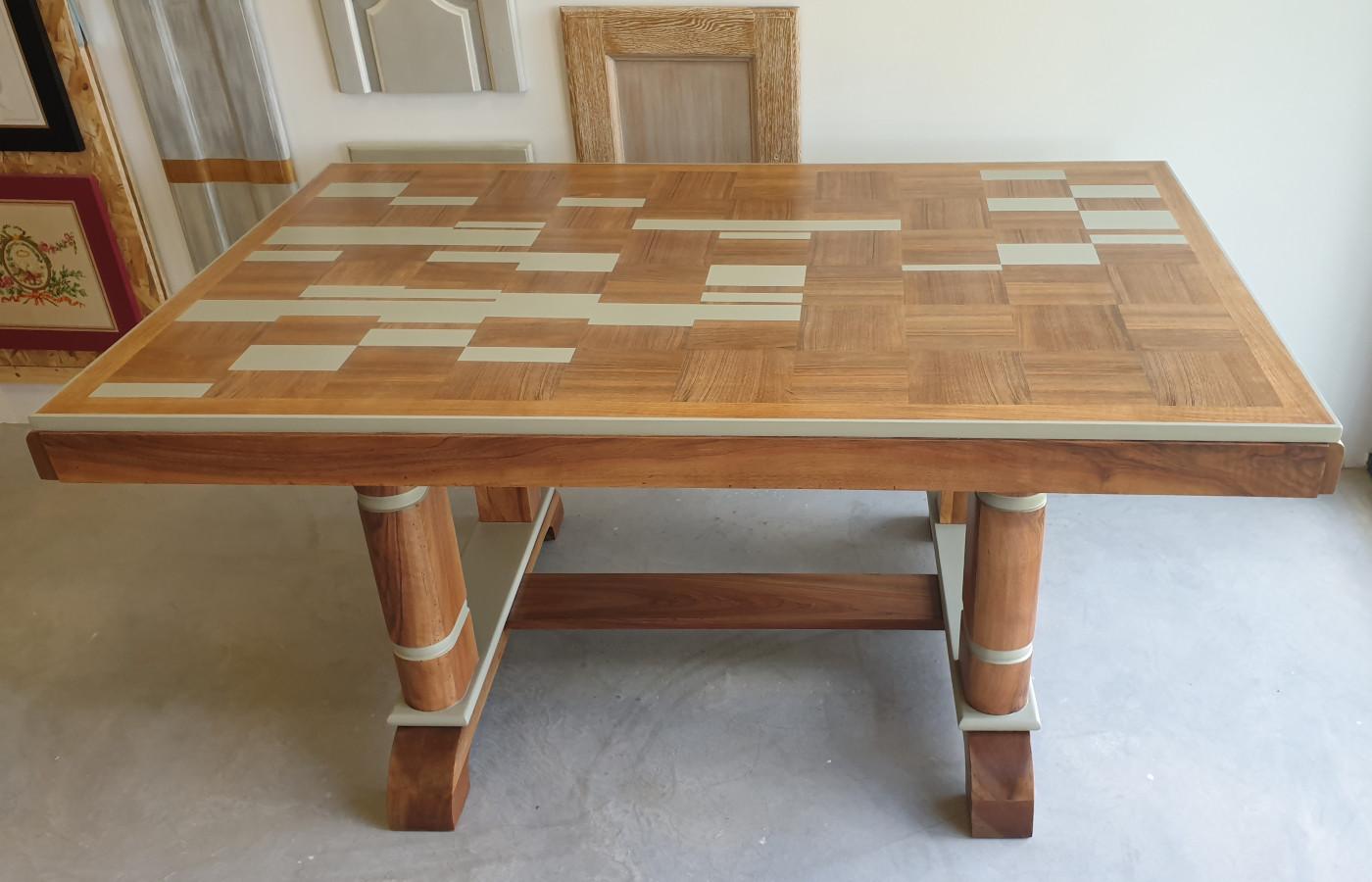 table décor géométrique