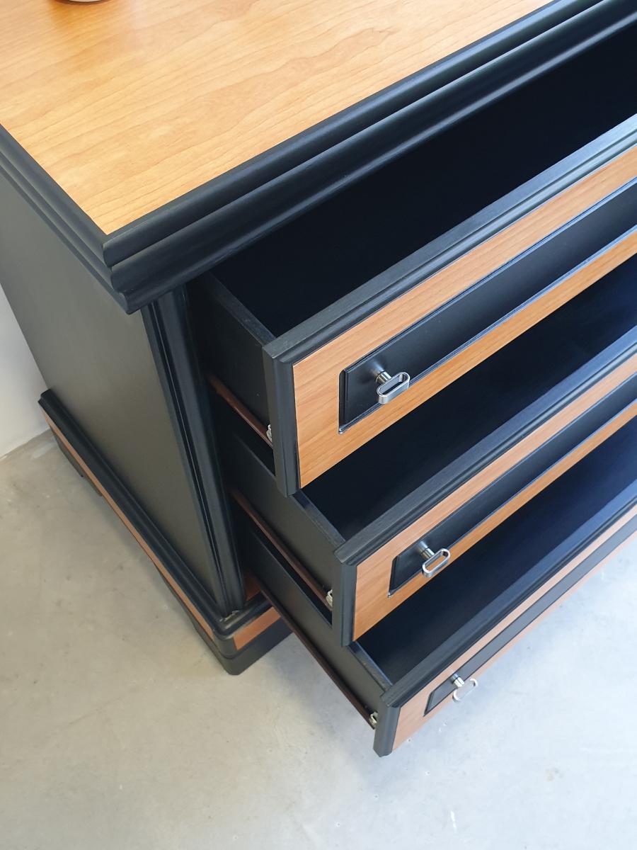 intérieur des tiroirs noir
