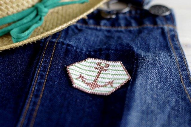 {DIY}-Mon-ancre-de-marin-en-perle-Miyuki-sur-jeans