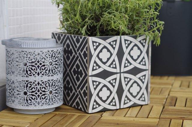 diy des carreaux de carrelage et du bricolage atelier f te unique. Black Bedroom Furniture Sets. Home Design Ideas