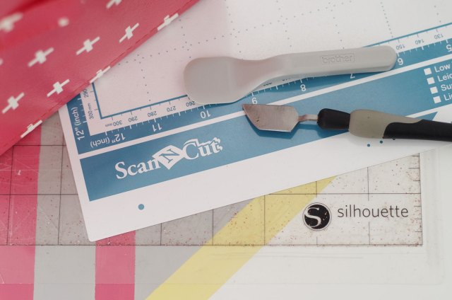 {Comparatif}-Silhouette-Cameo-V-Scan-N-Cut