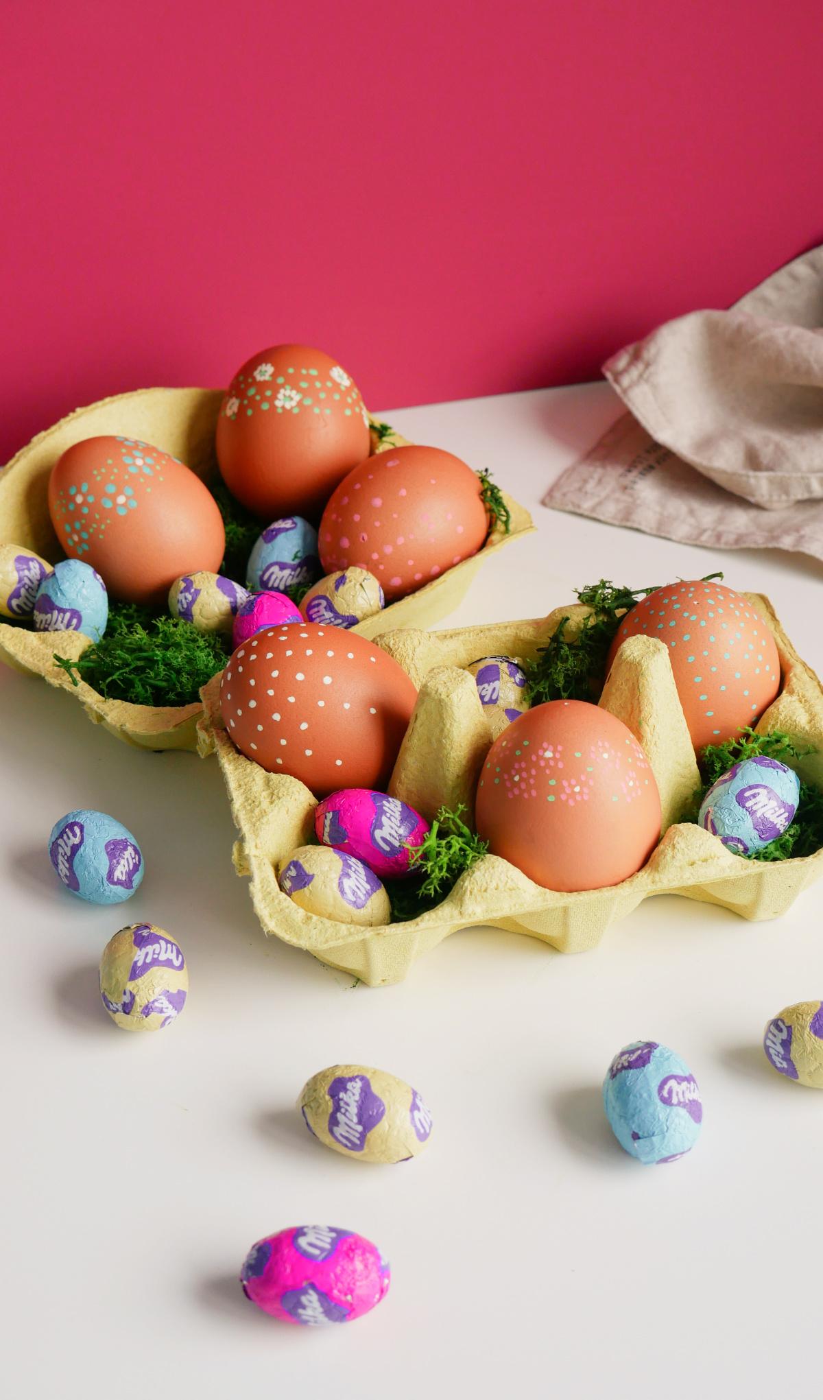 Des œufs décorés aux feutres Posca pour Pâques