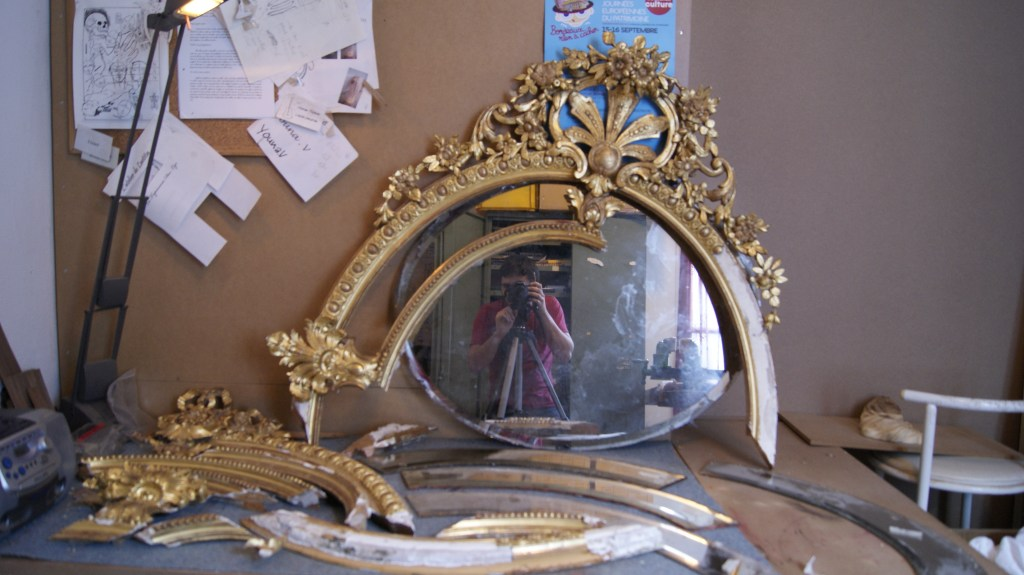 Mirror ovals of style Louis XVI
