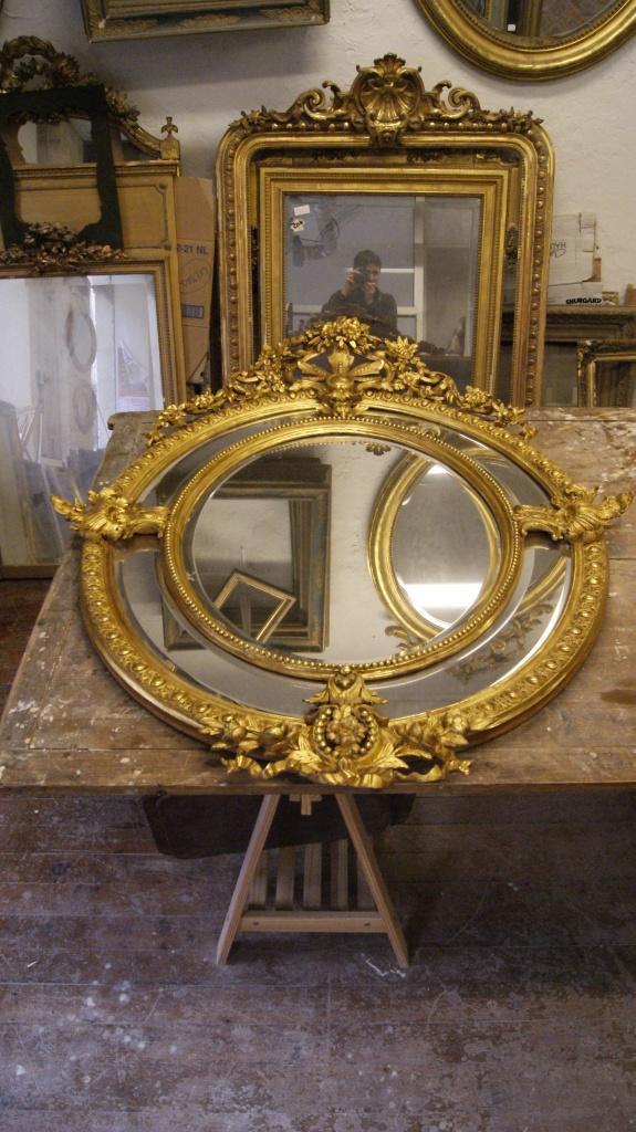 Miroir ovales de style Louis XVI