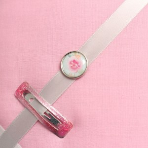 Cadre barrettes rose pâle bouton vintage libertyA