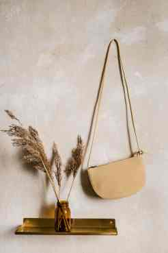 Faros half moon bag straw von monk & ANNA