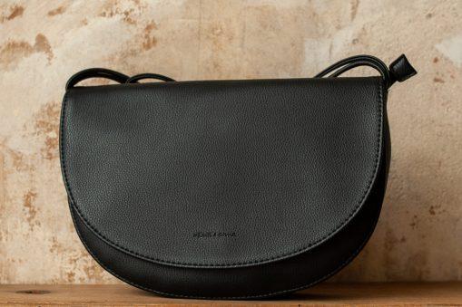 Soma Half Moon Bag black von Monk & Anna