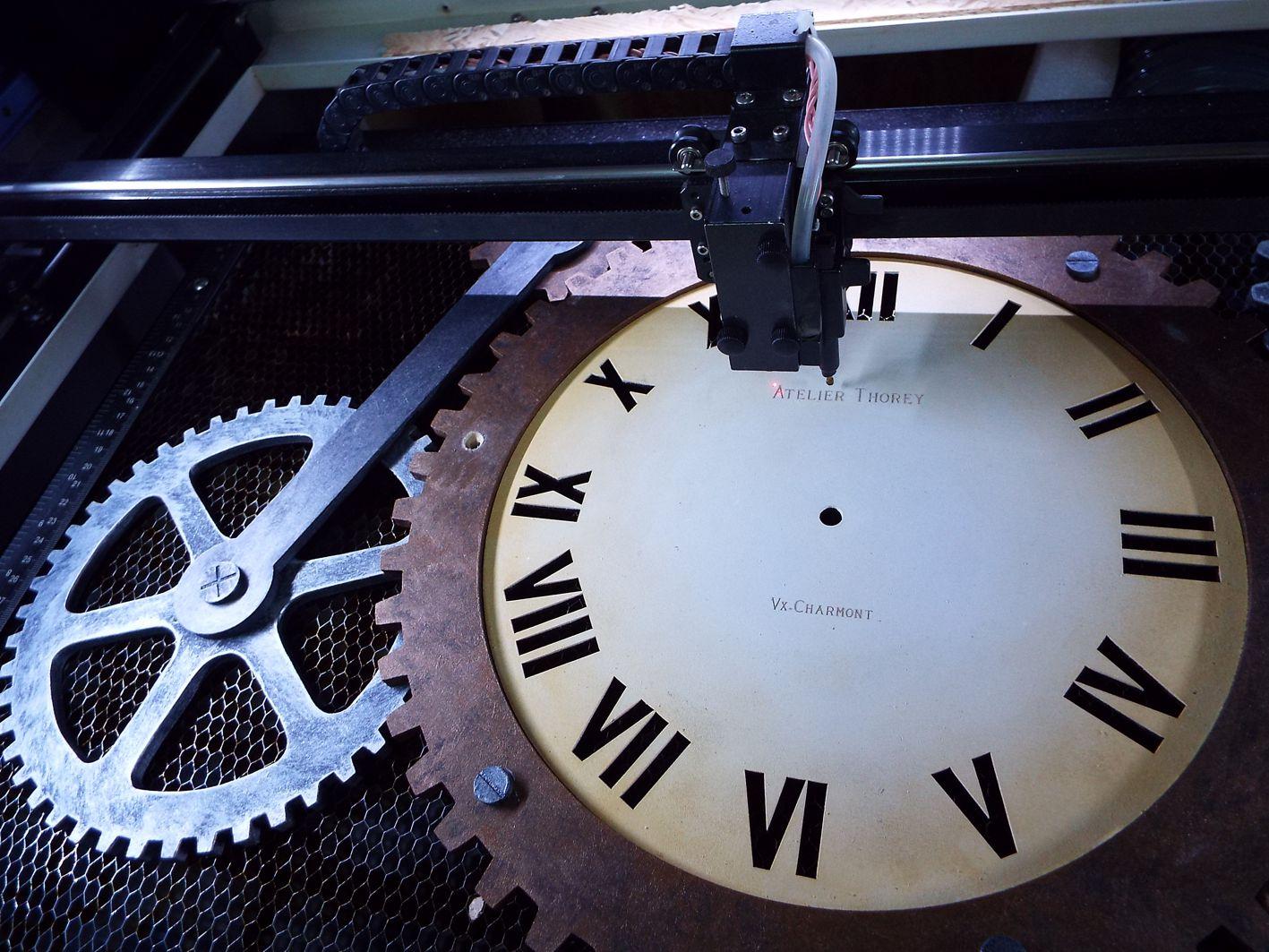 Gravure horloge