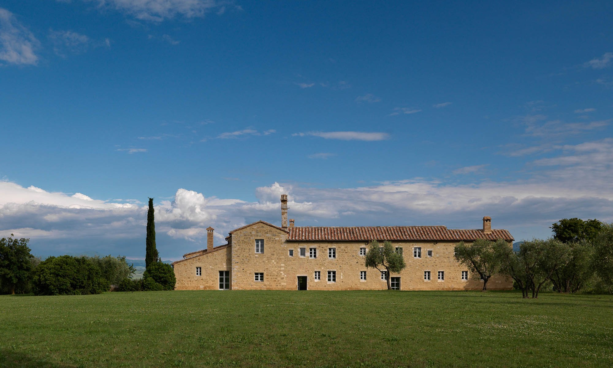 convento in Val D'Orcia - photo by E. Cano