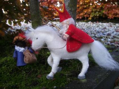 Sint en Piet met paard