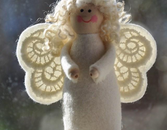 1150 Evi het ondeugende engeltje