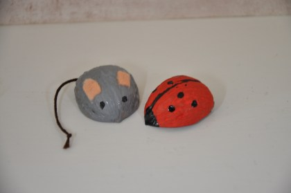 Walnoot muis grijs en walnoot lieveheersbeestje H2 16