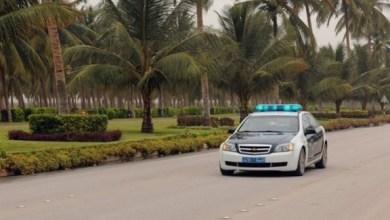 Photo of مفحّطون وسياراتهم في قبضة الشرطة