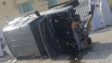 Photo of مُفحّط يتسبب في إصابة طلاب مدارس