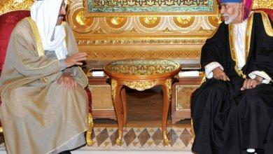 Photo of جلالة السلطان يمنح أمير الكويت  أرفع الأوسمة العمانية