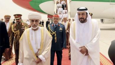 صورة تحيات من جلالة السلطان لخليفة بن زايد ينقلها البوسعيدي