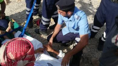 Photo of إصابة شخص بعد احتجازه في جبل